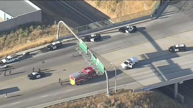 [TLMD - LA] Tiroteo mortal en una autopista de Riverside