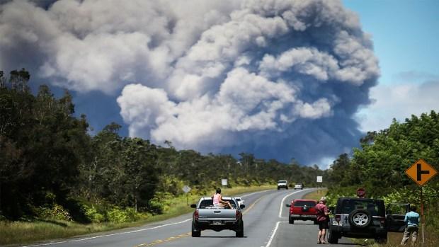 Alerta roja, en imágenes la furia del volcán activo en Hawái