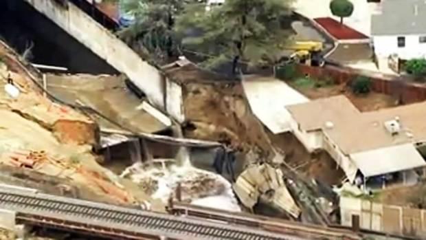 Video: Gran esfuerzo para evitar destrucción de casas