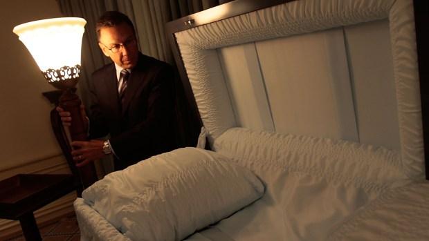 Morir sale caro: lo que cuestan los funerales en EEUU