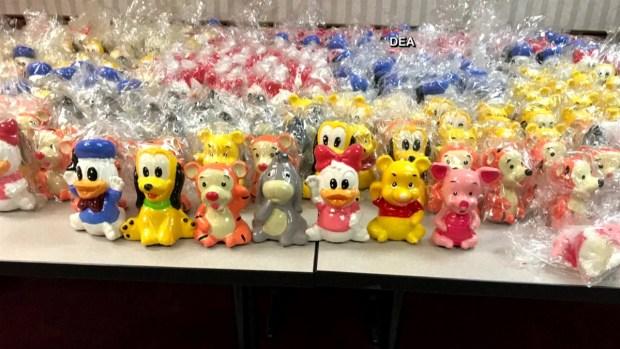 [TLMD - MIA] Decomisan droga dentro de juguetes de Disney