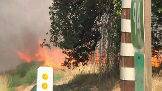 Ola de calor causa muertos y aviva incendios forestales