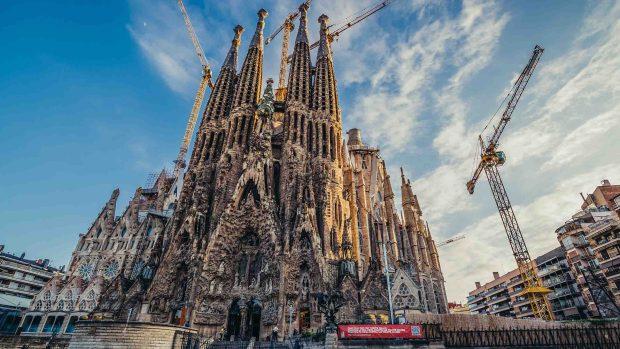 [TLMD - NATL] Bendita burocracia: icónica basílica obtiene permiso 137 años después