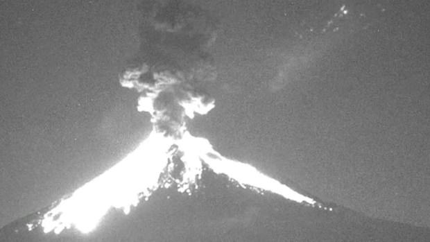 [TLMD - NATL] Volcán arroja cenizas cerca de Ciudad de México