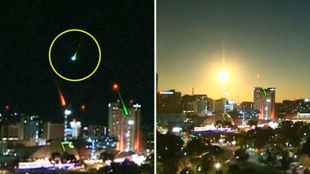 [TLMD - LV] Captado en video: meteorito transforma la noche en día