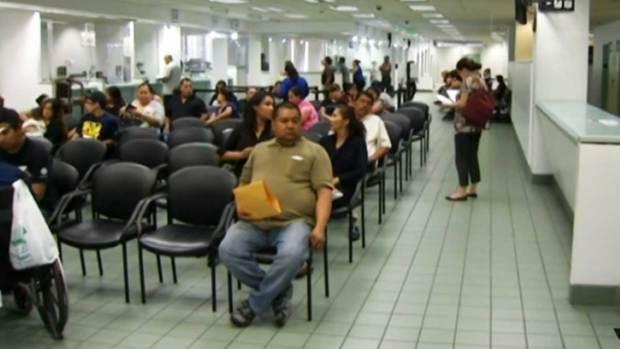 Video: Paro de labores en consulados de México