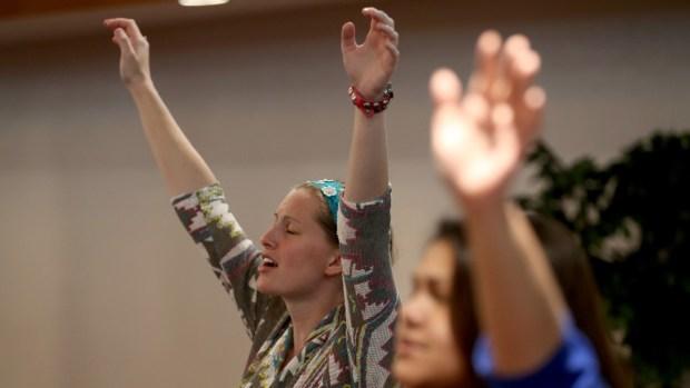 En qué creen los pentecostales, los que hablan en lenguas