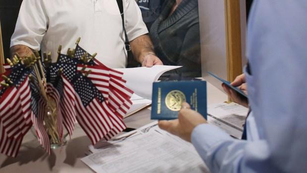Avanza iniciativa para proteger a inmigrantes en California