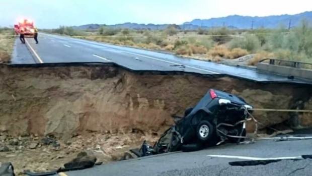 Video: Conductores enfrentan caos tras caída de puente