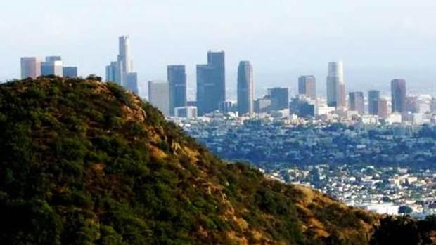 Video: Votan en L.A. para aumentar el salario mínimo
