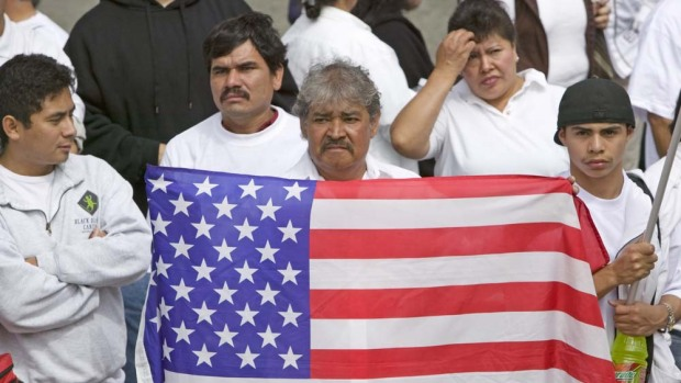 """Quiénes y cuántos podrían ser acusados de """"carga pública"""" en EEUU"""