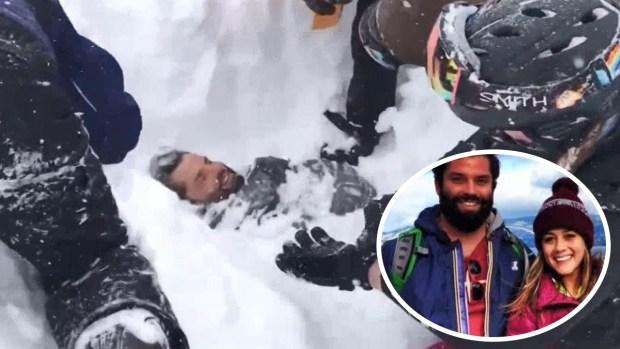 Pareja se enfrenta cara a cara contra una avalancha y terminan enterrados bajo la nieve