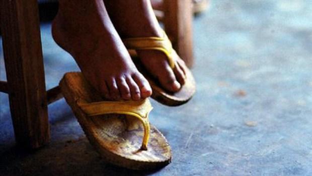 Video: Tras las rejas por saciarse de pies