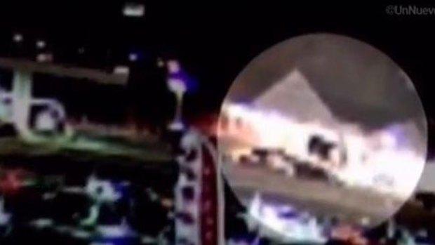 Video: Auto se estrella contra tienda y rebota