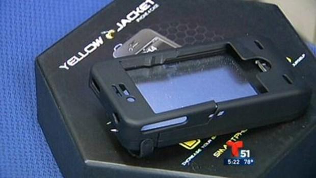 Video: El celular convertido en pistola eléctrica