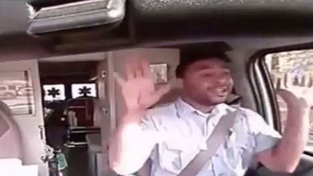 """Video: El conductor de ambulancia más """"loco"""""""