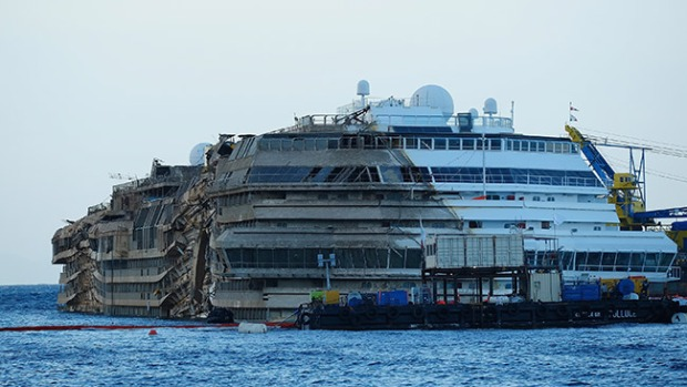 Video: Costa Concordia emprende último viaje