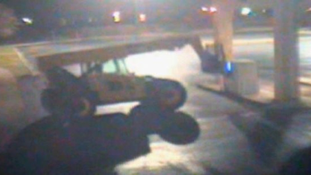 Video: Roban cajero automático con una grúa