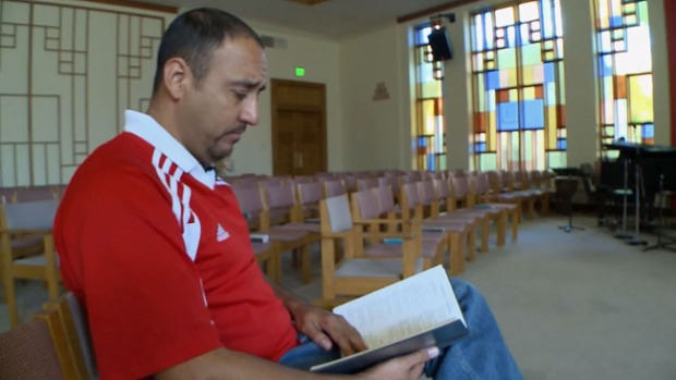 Video: Mexicano pide refugio en iglesia
