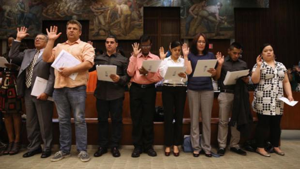 Video: Gran ayuda para obtener la ciudadanía