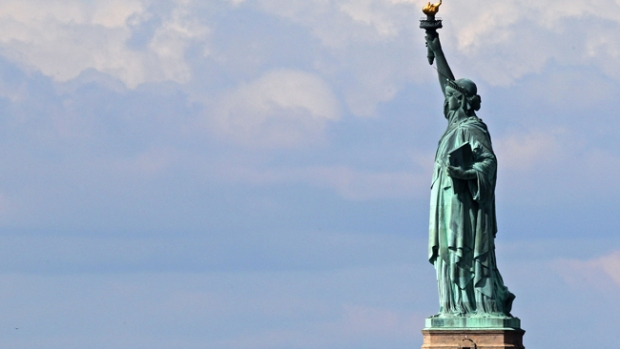 Video: Reabren la  Estatua de la Libertad