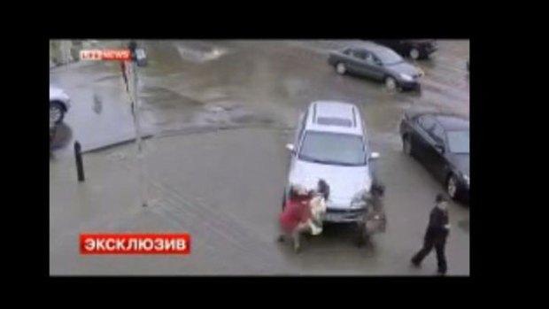Video: Brutal impacto: arrolla a 3, mata a 1