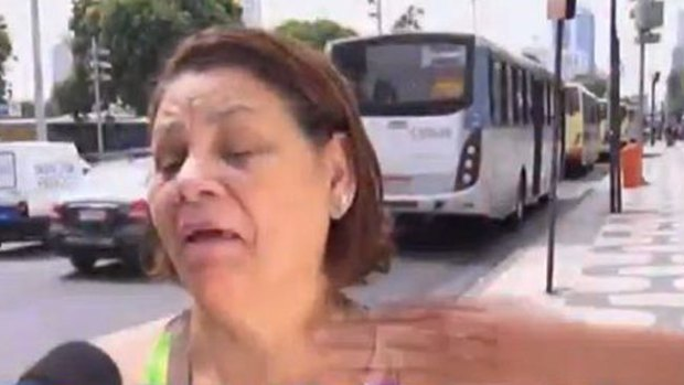 Video: Asaltan a mujer frente a la cámara
