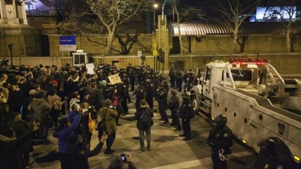 Video: Garner: Más de 80 arrestos ante protestas