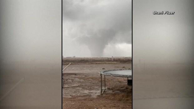 [TLMD - LV] Imponente tornado captado en video