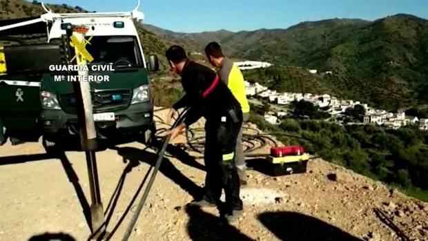 [TLMD - LV] Siguen los trabajos para hallar al niño que cayo a un pozo en Málaga