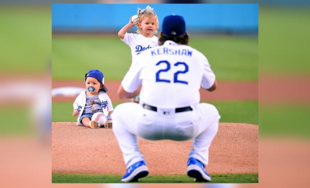 Emotivas ceremonias de primeros lanzamientos con los Dodgers