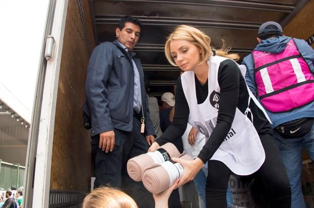 """""""Canelo"""" Álvarez y la primera dama llegan con donaciones"""