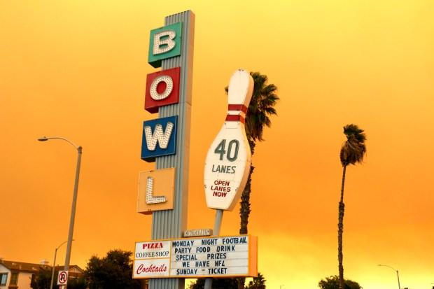 [la gallery] Fotos: Así luce el incendio de Anaheiim HIlls  en el sur de California