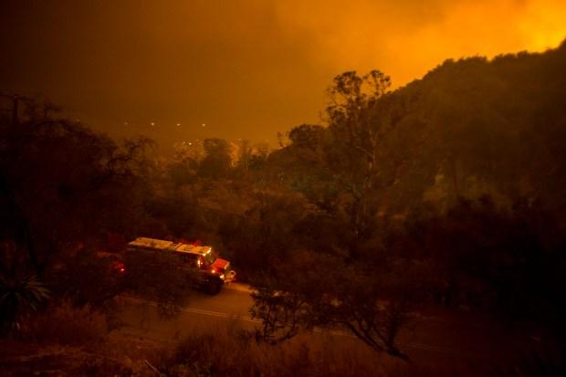 Fotos impactantes sobre la furia del Incendio Thomas