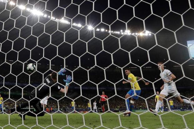 [TLMD - National - LV] Golazo de Brasil para darle ventaja sobre Argentina