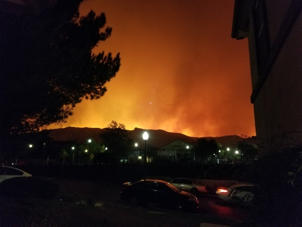 Residentes de Sylmar enfrentan incendio