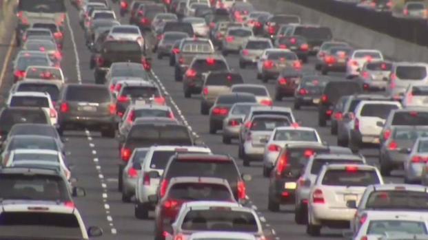 Llegan nuevas leyes para todo conductor en California