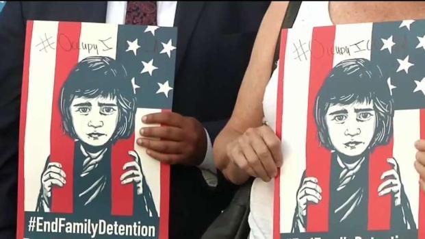 [TLMD - LA] Demandan a centro de detención de Adelanto