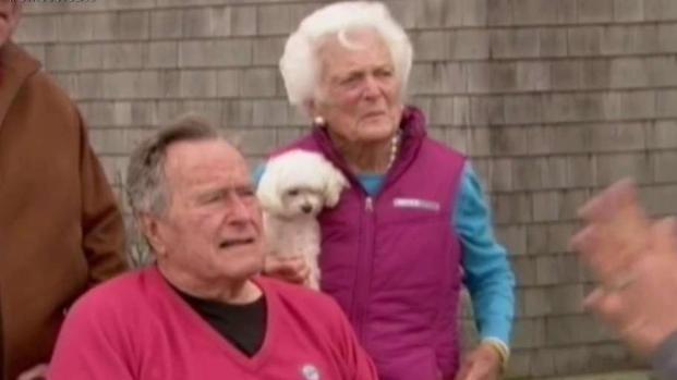 La pareja Bush se encuentra en el hospital