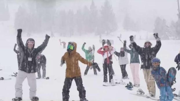 Llega la nieve a las montañas del sur de California