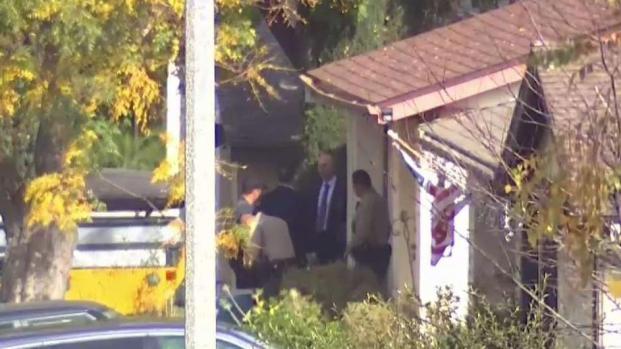 Rastrean residencia vinculada al sospechoso de tiroteo