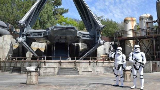 Echa un vistazo al interior de 'Star Wars: Galaxy's Edge' en Disneyland