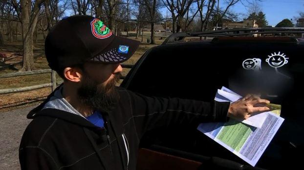 [TLMD - NATL] Insólita multa: al policía le pareció obsceno el mensaje
