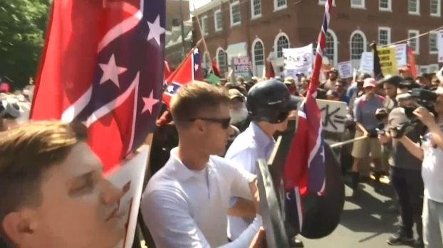 [TLMD - MIA] Se desatan violentas protestas de la ultraderecha en Virginia