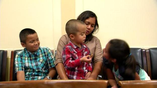 Comparten experiencias en centros de detención