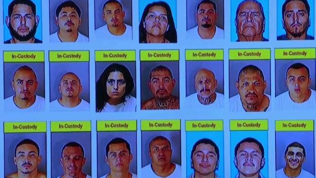 Operativo resulta en arrestos y decomiso de armas