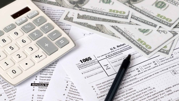 California emite reembolsos de impuestos sin verificar