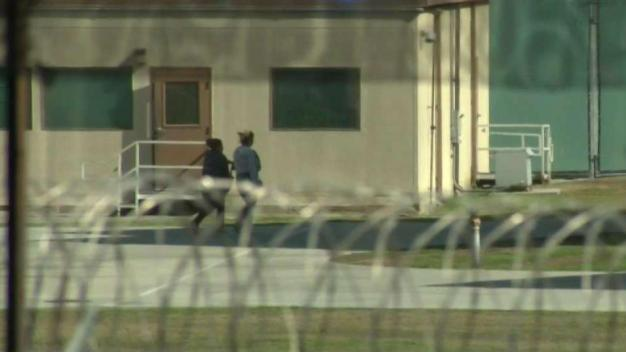 Reportan condiciones caóticas en cárceles juveniles