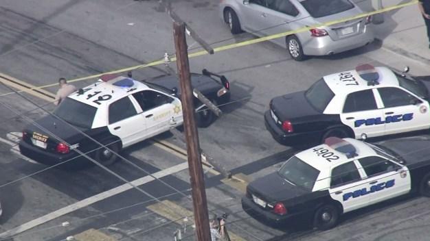 Policía hiere mortalmente a hombre que portaba espada