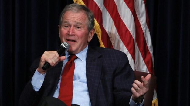 """Expresidente Bush: inmigración es """"bendición y fortaleza""""}"""